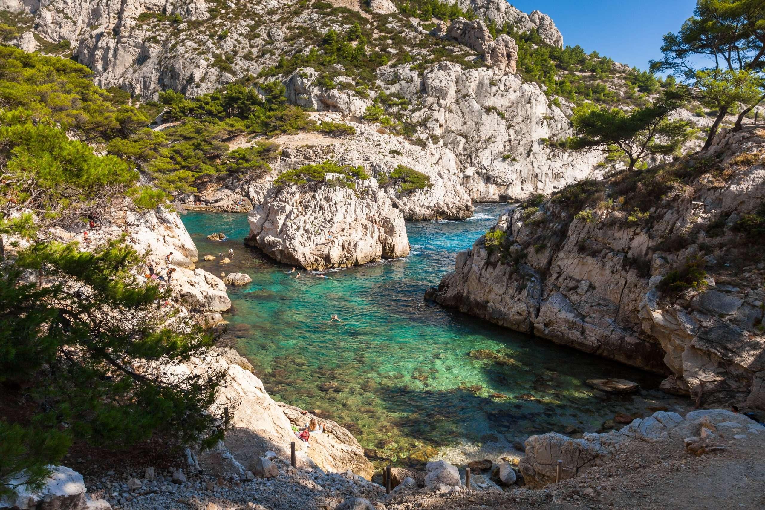 Calanque de Sugiton la plus belles plages de France où se rendre cet été