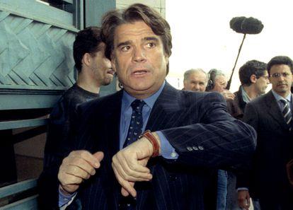 Bernard Tapie, lors de sa comparution devant le tribunal dans l'un de ses procès, à Paris en 1996.