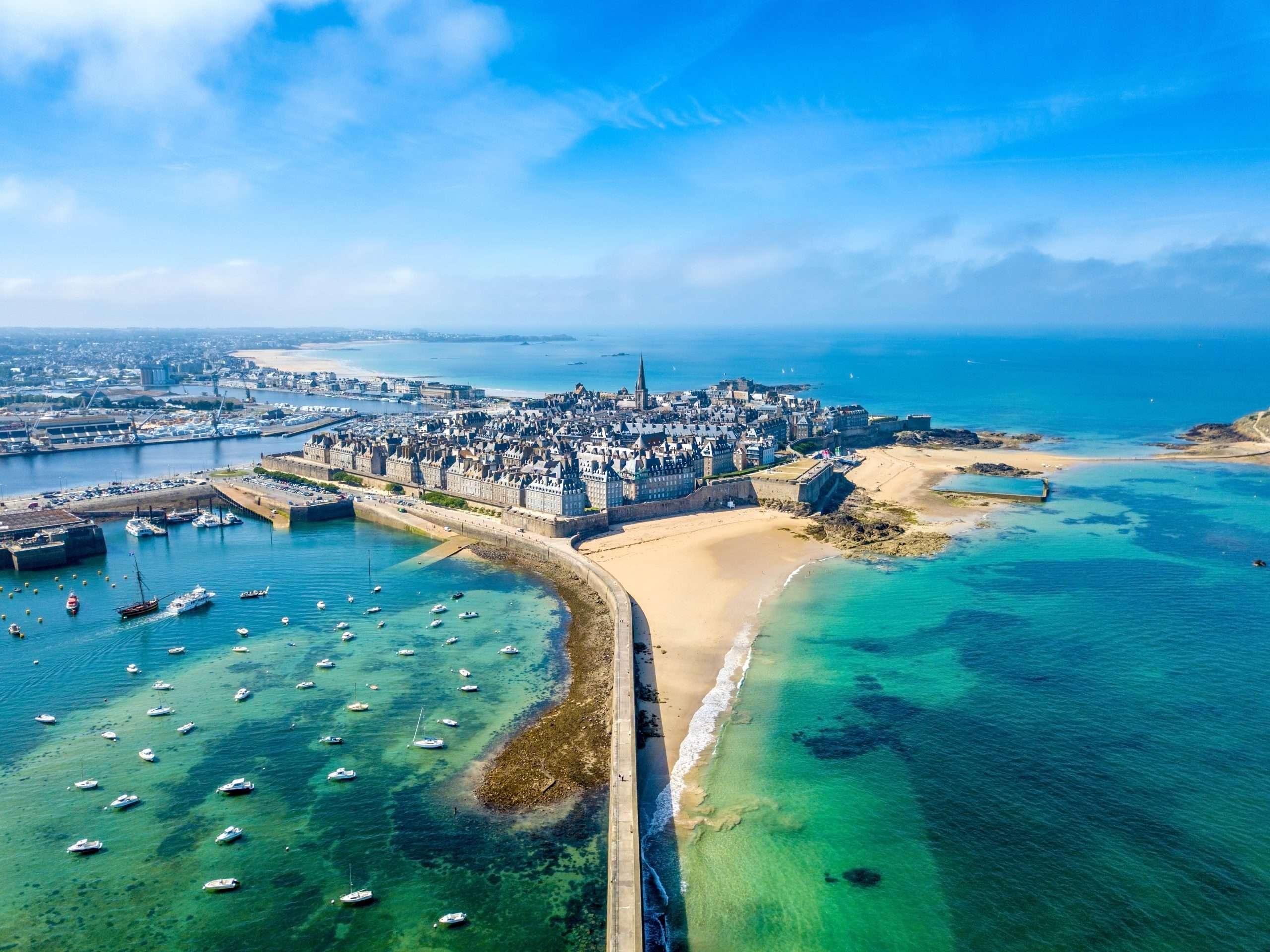 Les plus belles plages de Saint Malo vue du ciel