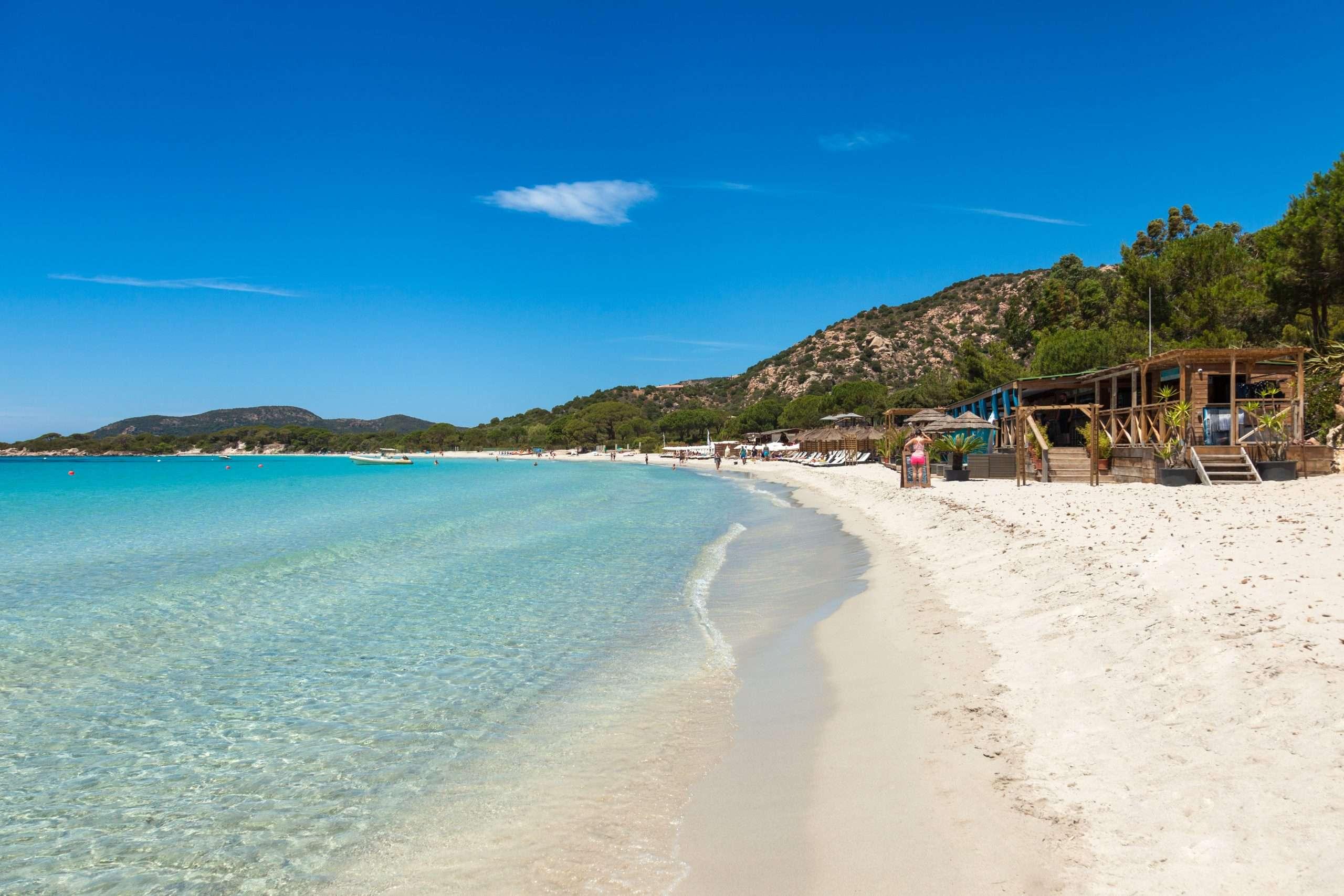 Plage de Palombaggia en Corse Porto-Vecchio parmi les plus belles plages de France où se rendre cet été